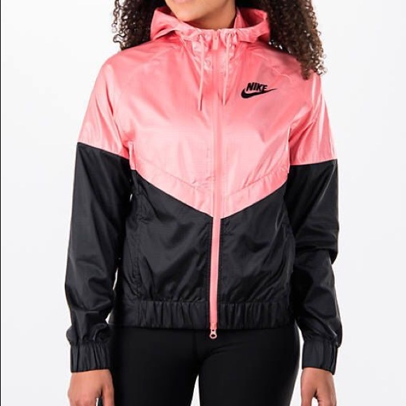 Nike Windrunner for Women NWT